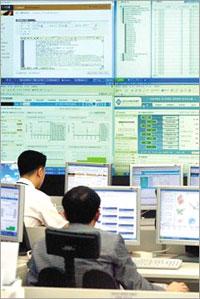 국정원, 국가기관 10곳 해킹 피해 발표… '국가 안보 위협사건' 규정